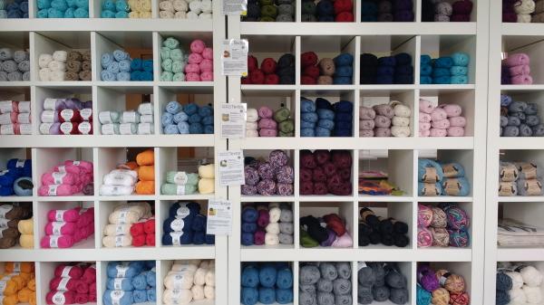 Drops Wolle Shop Ausstellung und Verkauf